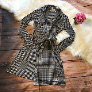 NWOT Calvin Klein Houndstooth Print Midi Dress